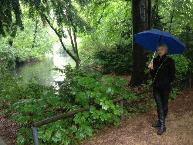 Strolling through the Tiergarten on a rainy Sunday