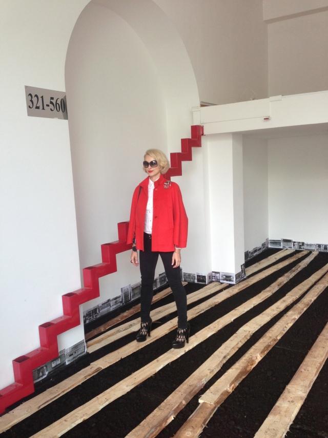Walking 'Above Black Mud', Dmitri Gutov's installation in Ekaterina Foundation
