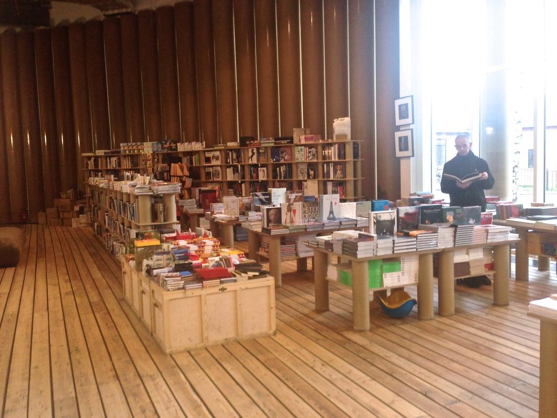 Garage bookshop