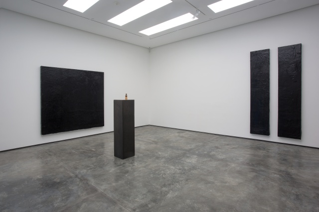 Theaster Gates, 'My Back, My Wheel and My Will,' White Cube Hong Kong, 13 September – 2 November 2013 © Theaster Gates. Photo: Vincent Tsang. Courtesy White Cube