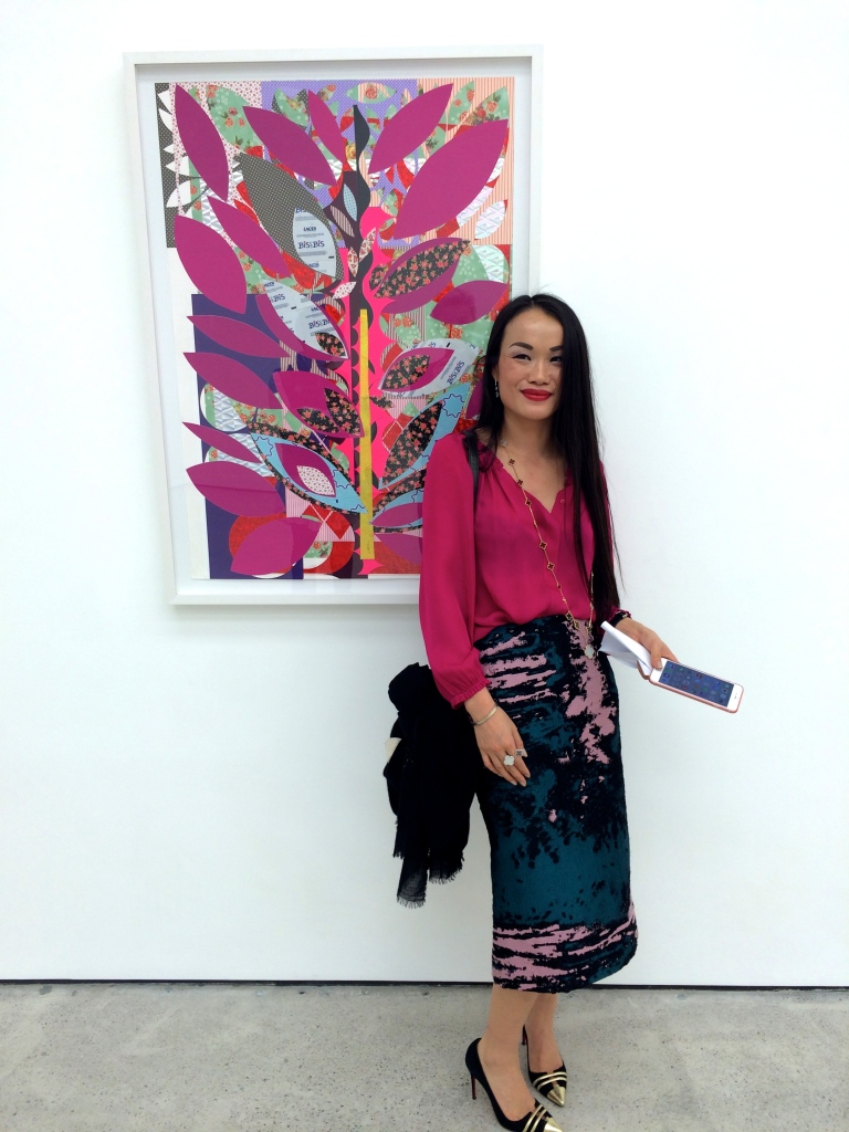 Colour matching visitor in front of 'Turkish Garden', 2014, at White Cube Hong Kong
