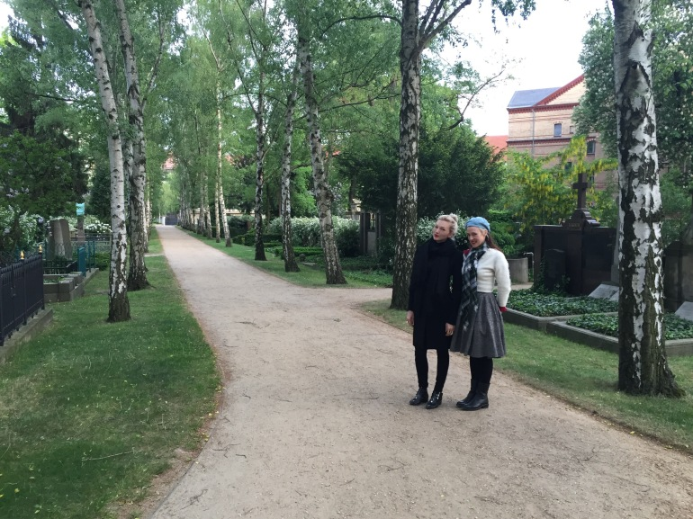 With artist Lyndal Walker in Doreotheenstadt cemetery